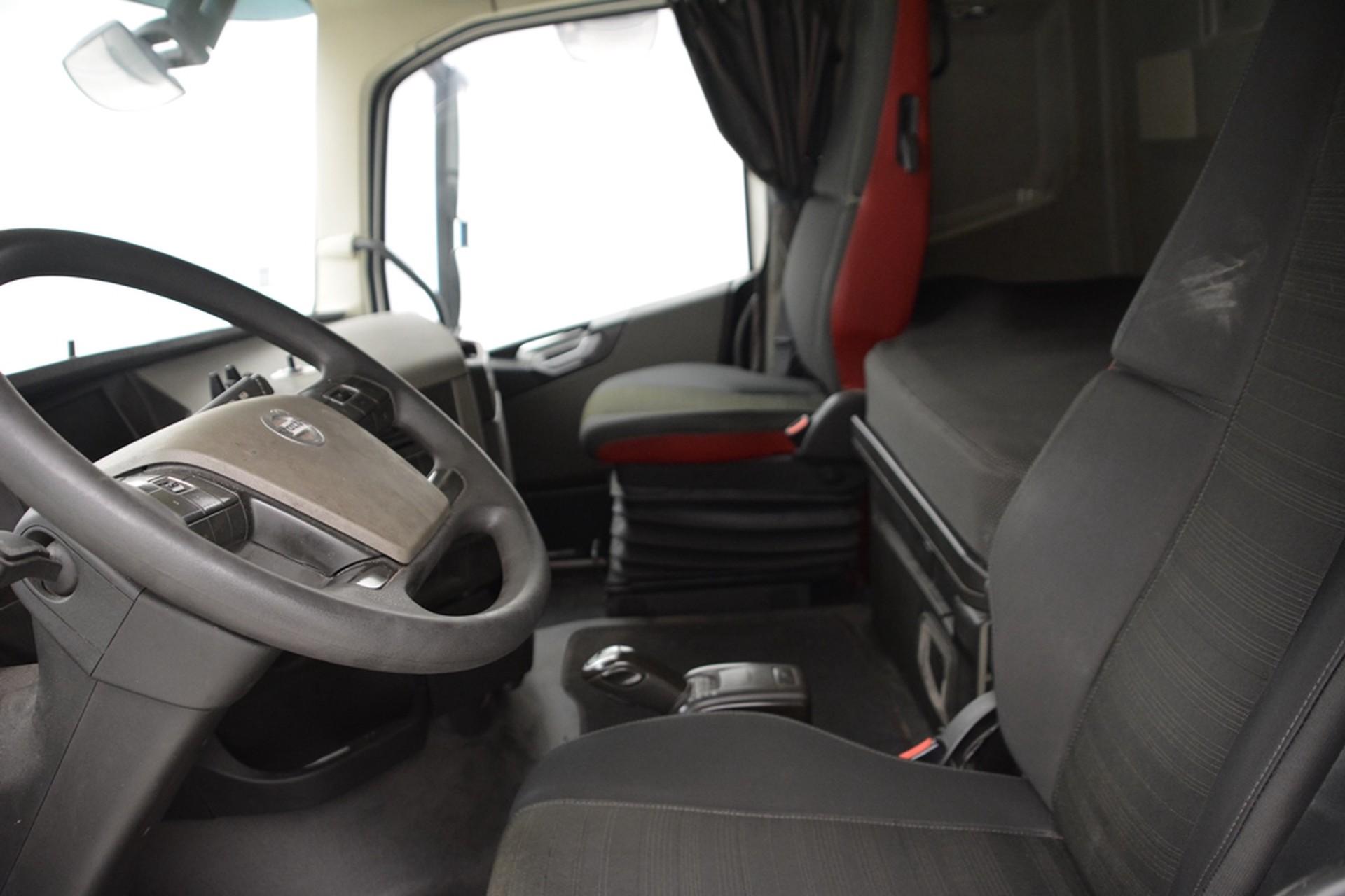Volvo FH 460 Globetrotter - ADR