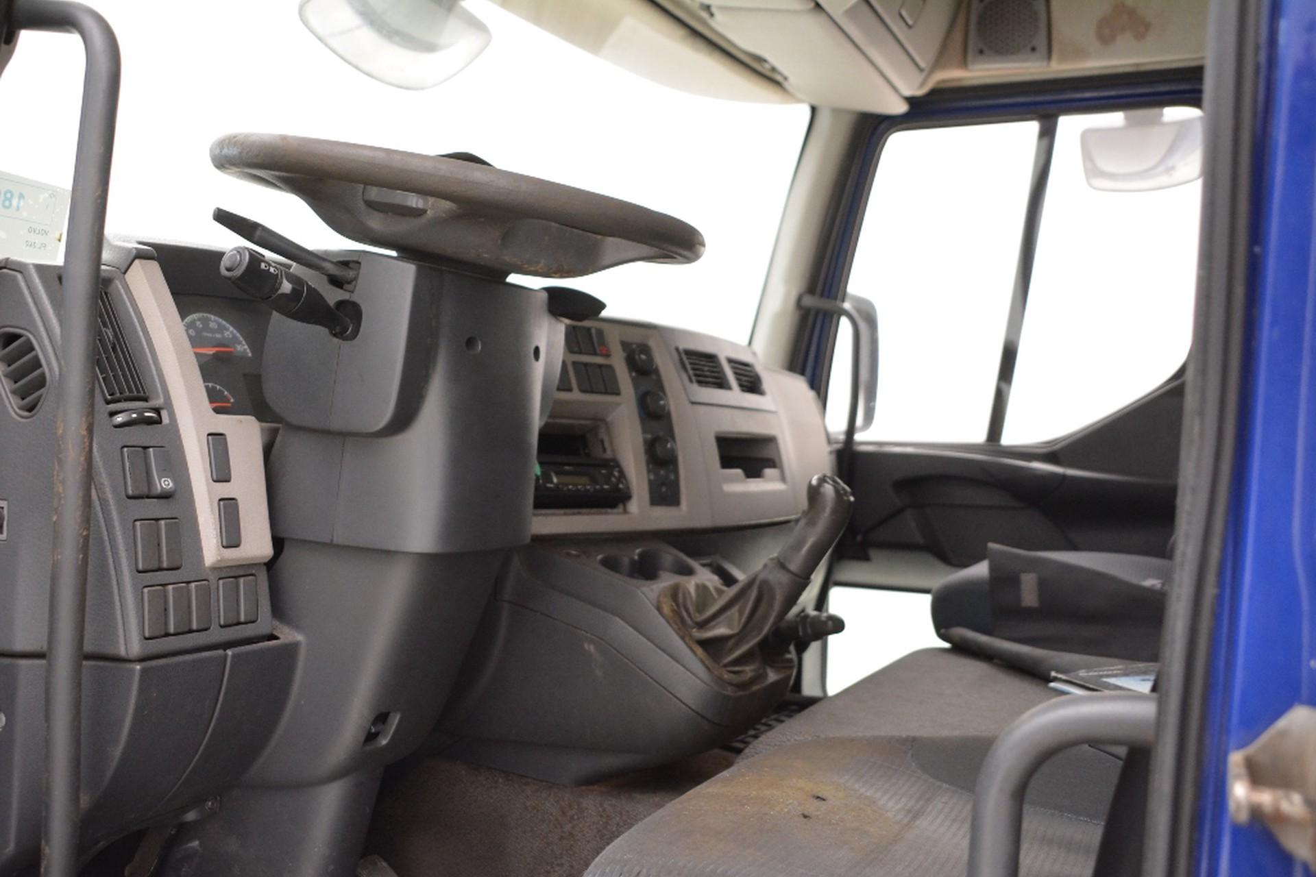 Volvo FL240