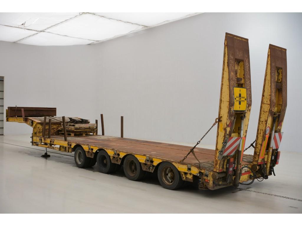 Faymonville Low bed trailer