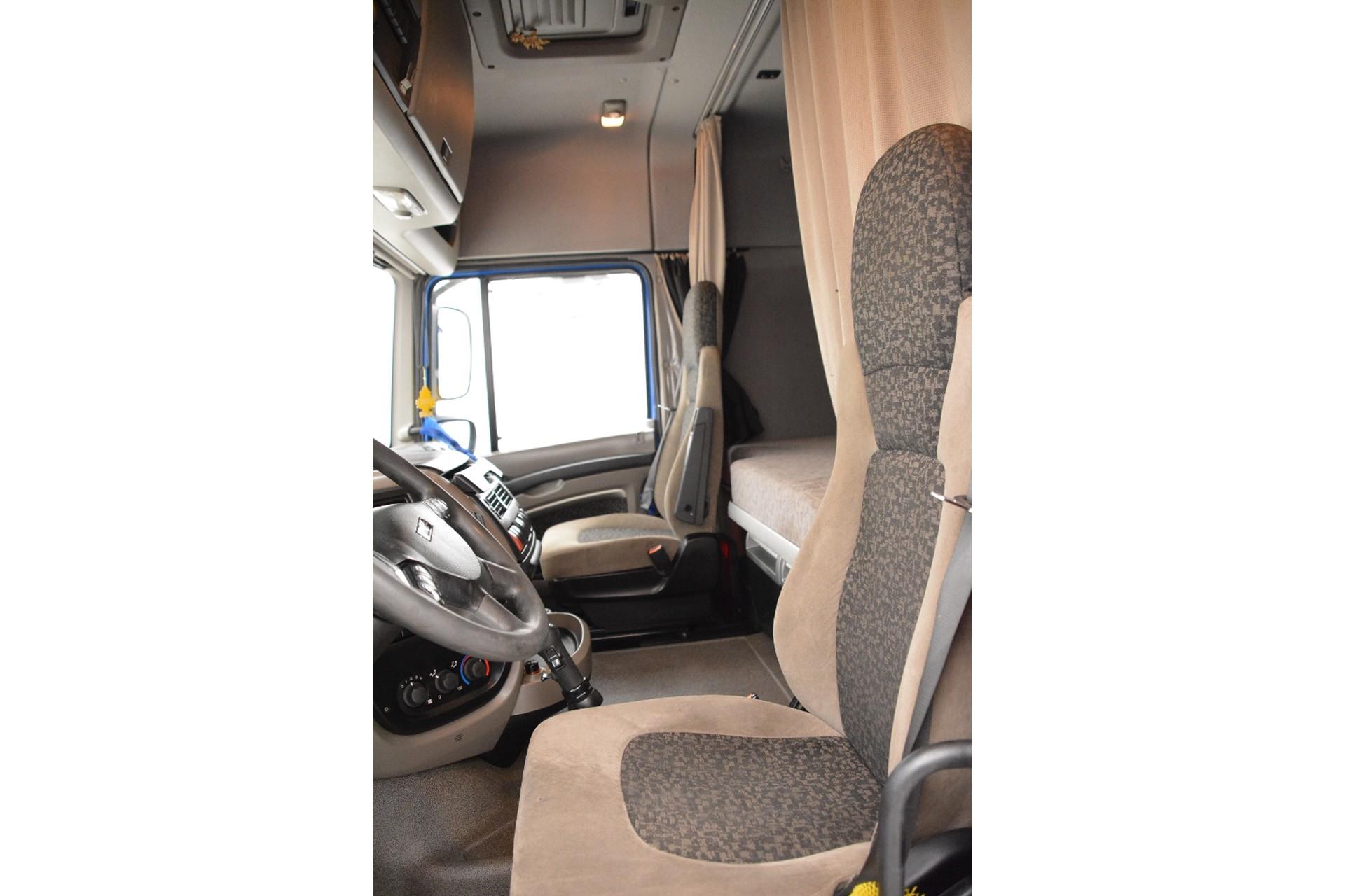DAF XF105.460 Space Cab