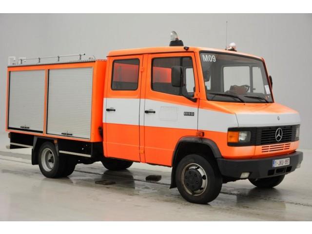 Mercedes-Benz 811