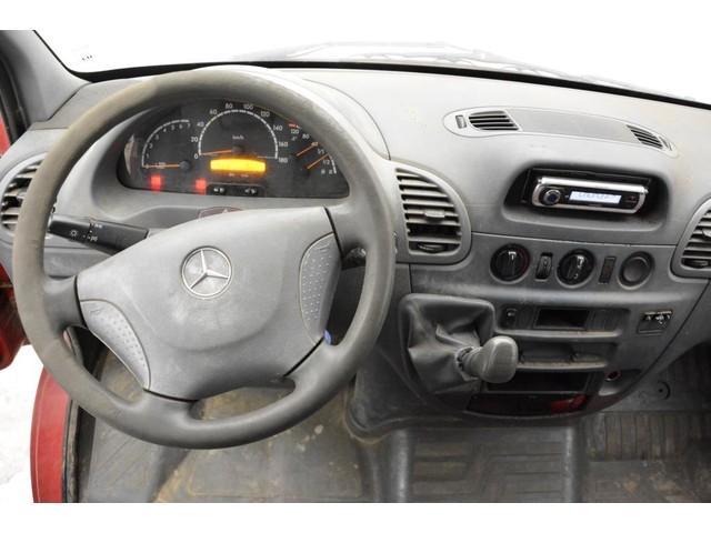 Mercedes-Benz 208