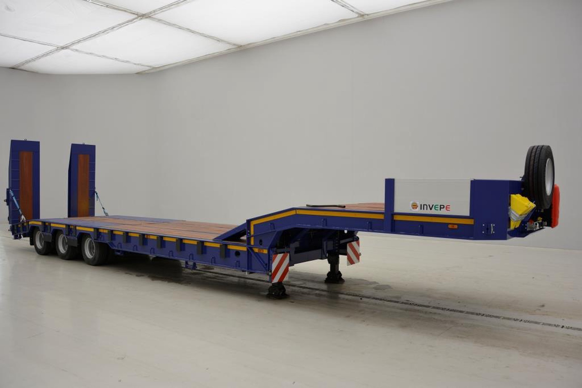 Invepe Low bed trailer - NEW!