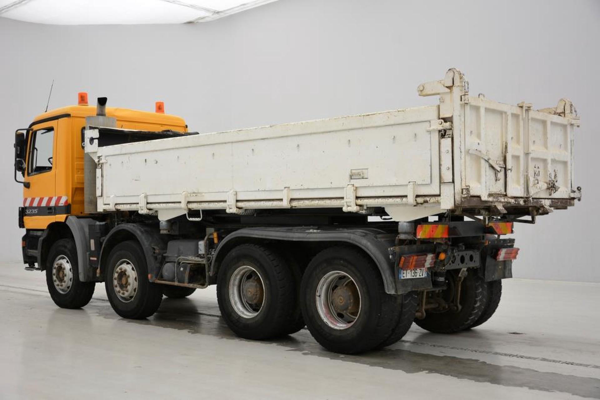 Mercedes-Benz Actros 3235 - 8x4