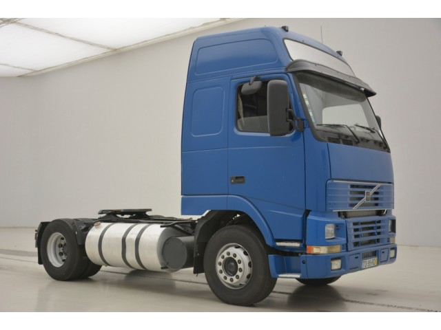 Volvo FH12.420 Globetrotter XL