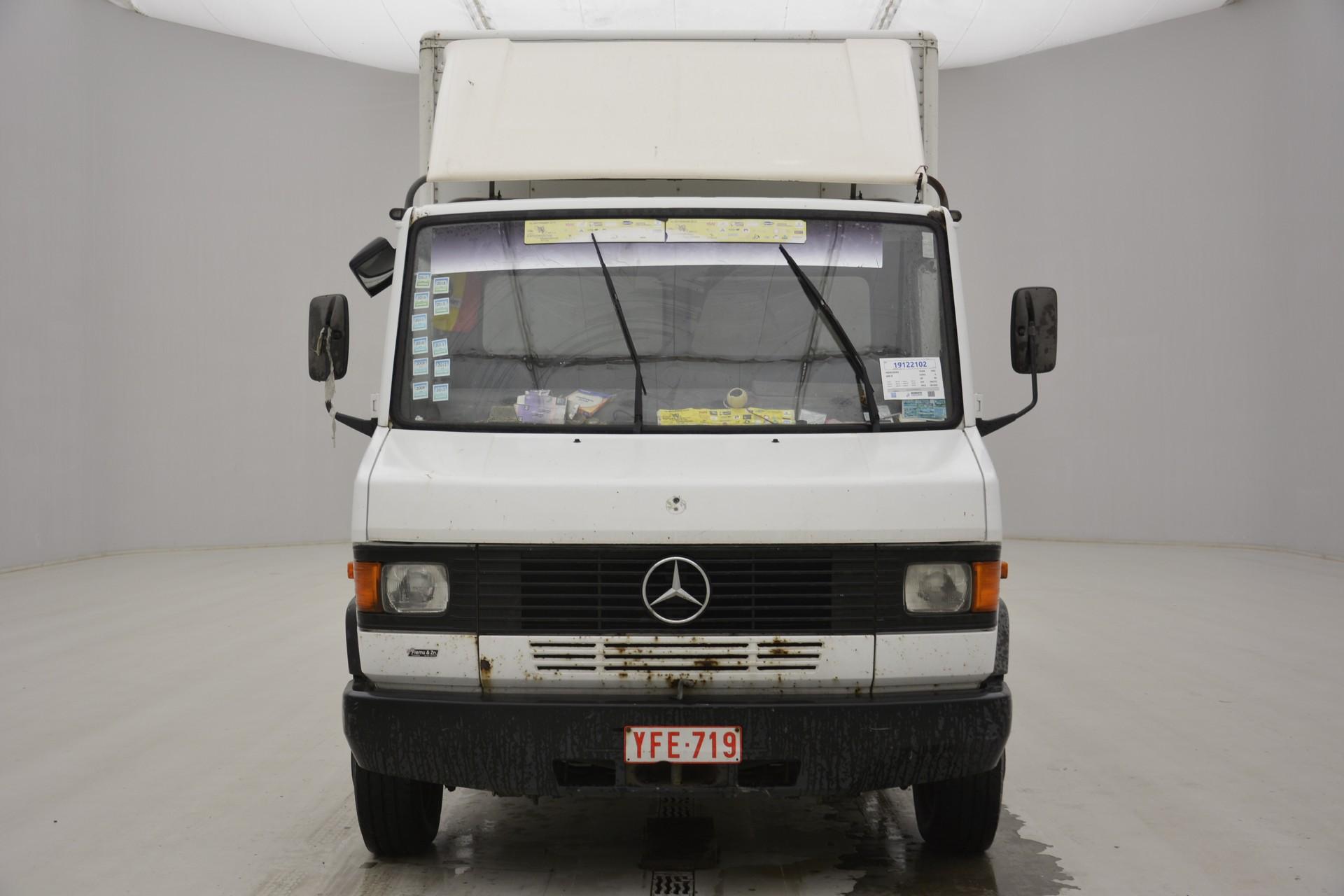 Mercedes-Benz 609D