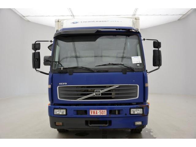 Volvo FL220