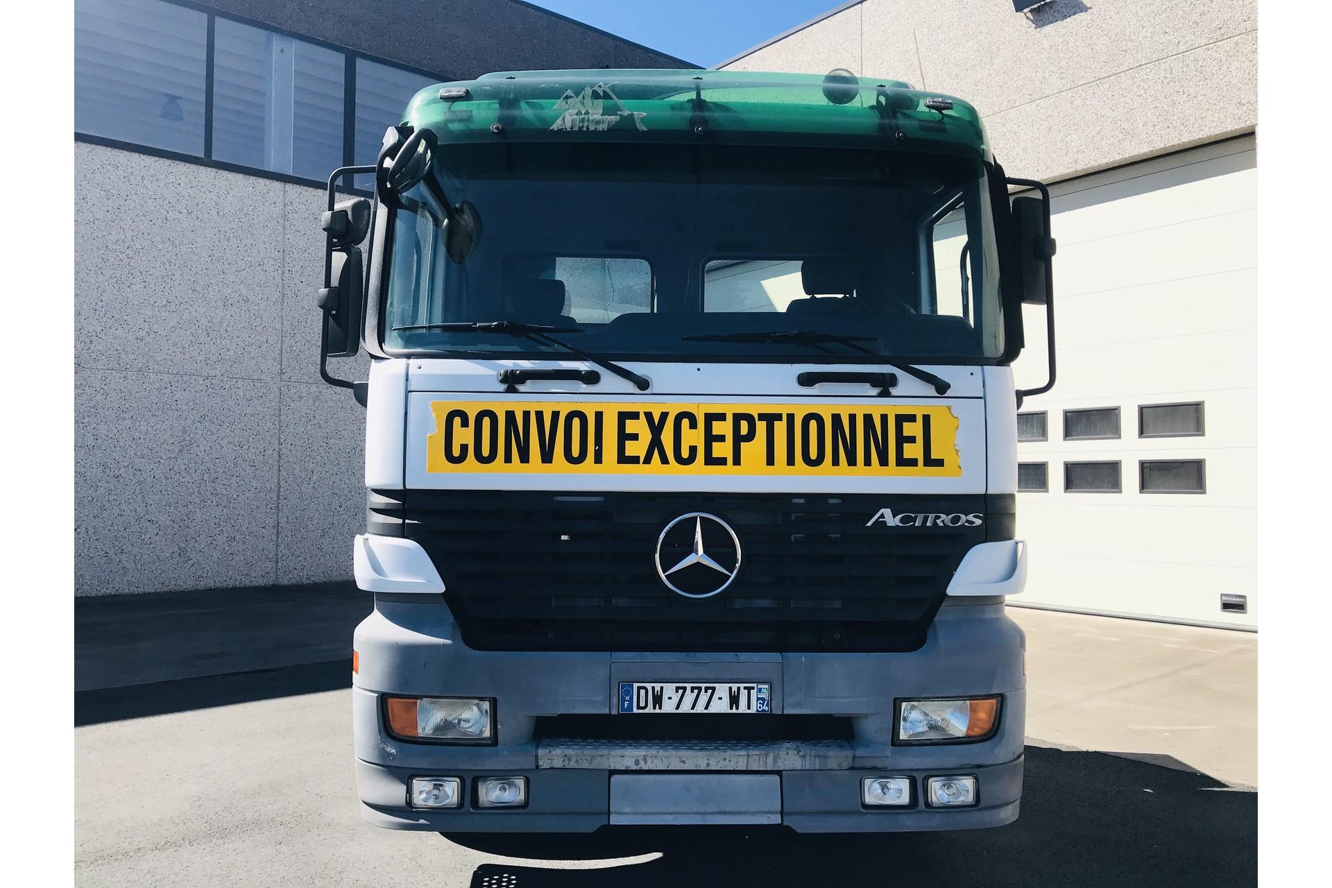 Mercedes-Benz Actros 3348S