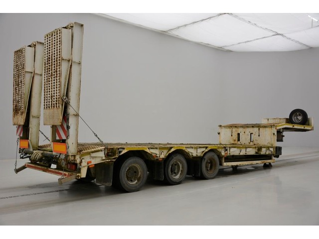 Demico Asca Low bed trailer